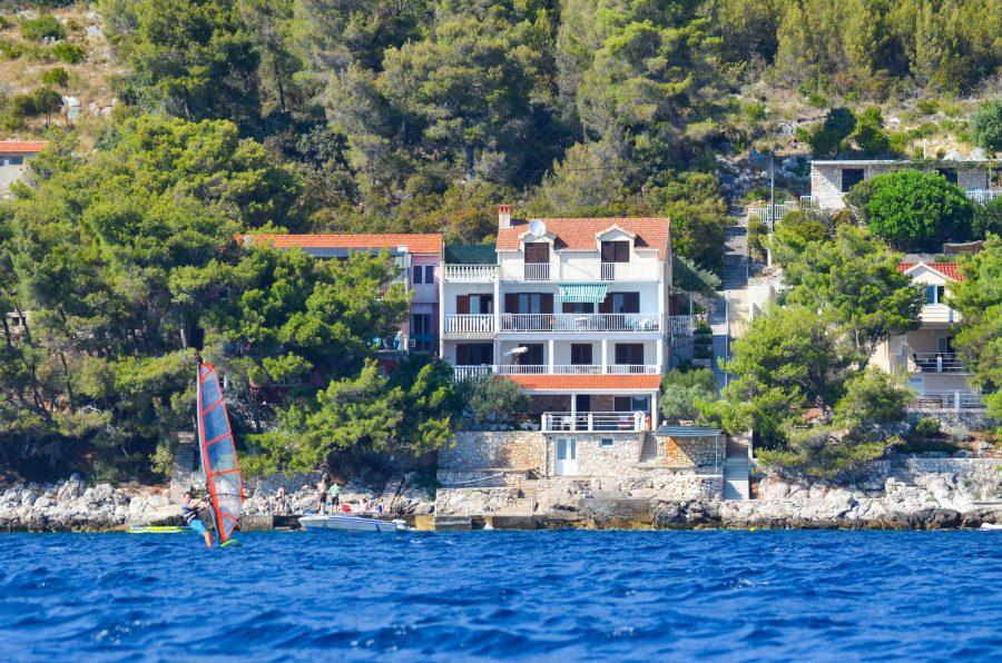 apartments-srjdana-house-near-the-sea-03